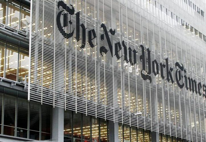 Fachada del edificio de The New York Times Co. en Nueva York, USA. Aunque Slim se ha convertido en accionista mayoritario, la familia Sulzberger controla el corporativo. (Foto de archivo/AP)