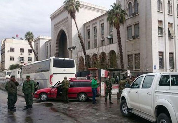 En menos de dos horas se registraron dos atentados en la capital de Siria. (AFP)