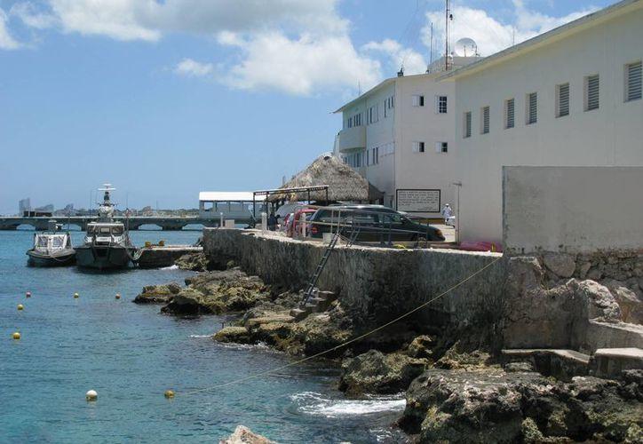 Personal de la Estación Naval informó sobre el rescate. (Irving Canul/SIPSE)