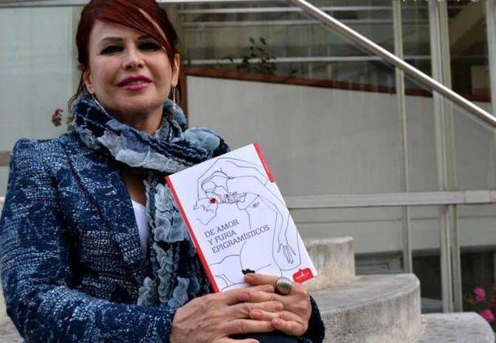 La escritora Minerva Margarita Villarreal Rodríguez ganó el Premio Bellas Artes de Poesía Aguascalientes 2016 el cual será entregado en el marco de la Feria Nacional de San Marcos. (Imagen tomada de Facebook: Minerva Margarita Villareal)