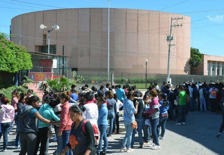 Tres estudiantes de la Normal Rural de Ayotzinapa fallecieron en el ataque de policías de Iguala, confirmó la Procuraduría Guerrerense. (Notimex/Archivo)