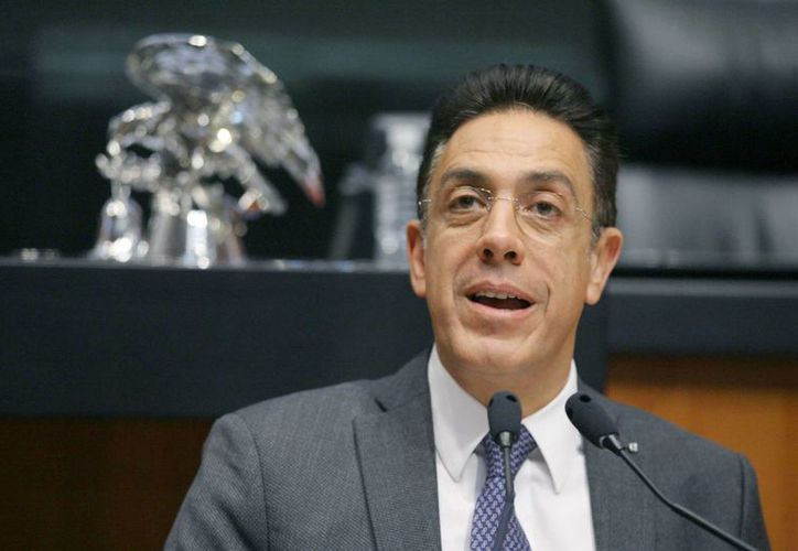 Omar Fayad, precandidato único del PRI a la gubernatura de Hidalgo, dijo sentirse arropado por sus compañeros de partido. (ndmx.com)
