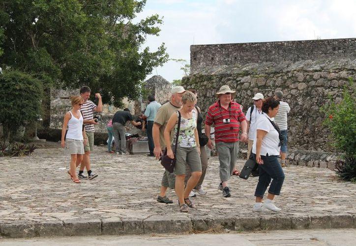Las actividades turísticas comienzan a tener mayor actividad con la llegada de los visitantes al pueblo mágico. (Juan Carlos Gómez/SIPSE)