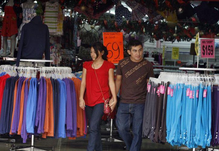 La Profeco verifica que tiendas tengan precios a la vista. (Milenio Novedades)