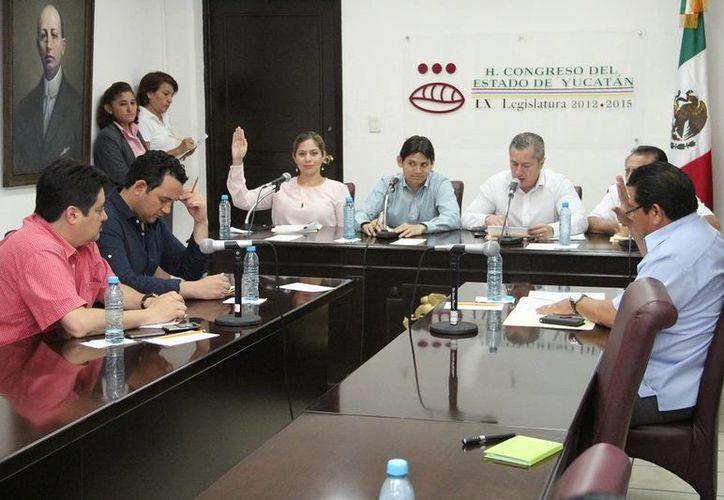 Los magistrados que serán ratificados en el Congreso son Ingrid Ivette Priego Cárdenas, Leticia del Socorro Cobá Magaña, Santiago Altamirano Escalante y José Rubén Ruiz Ramírez. (SIPSE)