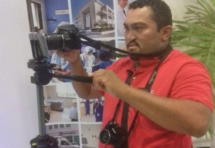 El periodista formó parte del equipo de Semanario Playa News. (Facebook)