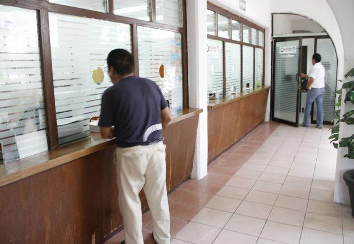 En cuanto a rezago se tiene alrededor de dos mil expedientes que con la renovación se podrán al corriente antes de finalizar el 2014. (Tomás Álvarez/SIPSE)