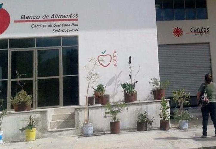 La Fundación Cáritas lleva cinco años operando en la Isla de las Golondrinas, apoyando a las personas más necesitadas. (Irving Canul/SIPSE)