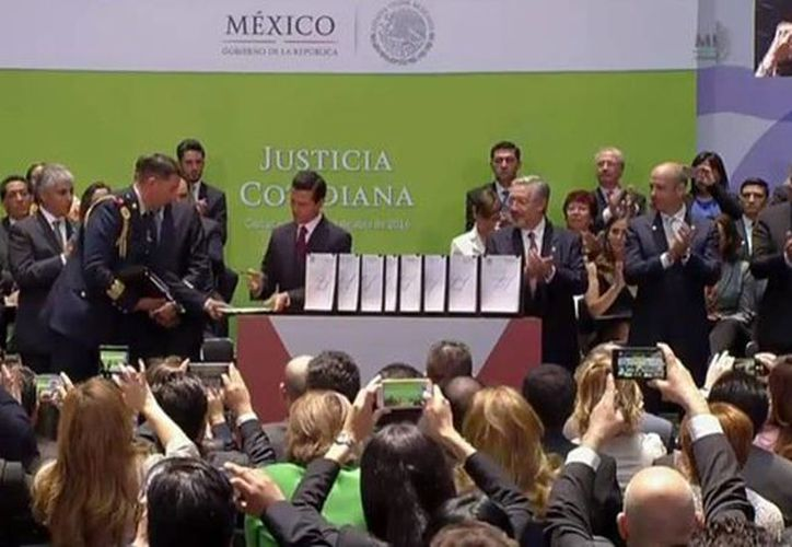 El presidente Enrique Peña Nieto enviará al Congreso un paquete de iniciativas para asegurar el acceso a la justicia cotidiana en México. (@PresidenciaMX)