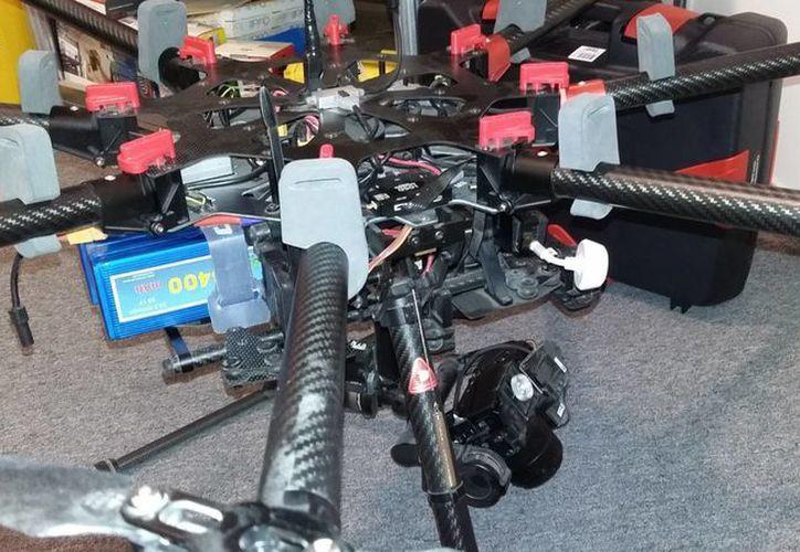 El uso de drones se generaliza en sectores económicos como la construcción y la agricultura. (Notimex)