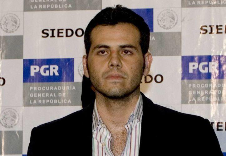 Imagen de 19 de marzo de 2009, cuando fue presentado a los medios Jesus Vicente Zambada Niebla, tras su arresto en la Ciudad de México. (Foto de archivo: AP/Eduardo Verdugo)