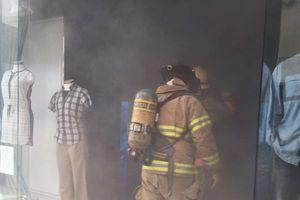 Cortocircuito provoca incendio en plaza La Isla