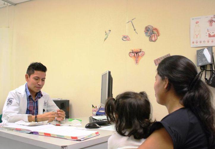 El uso de métodos anticonceptivos hormonales debe ser controlado por especialistas. (Octavio Martínez/SIPSE)