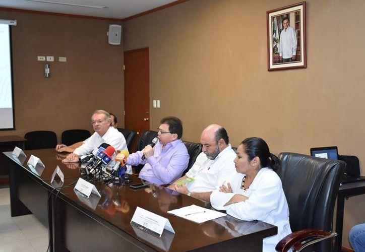 Este lunes la SSY anunció el cuarto operativo de descacharrización masiva en Mérida, que será el sábado 24 y el domingo 25 de septiembre en el combate al mosco transmisor del dengue, zika y chikungunya. (Foto cortesía del Gobierno estatal)