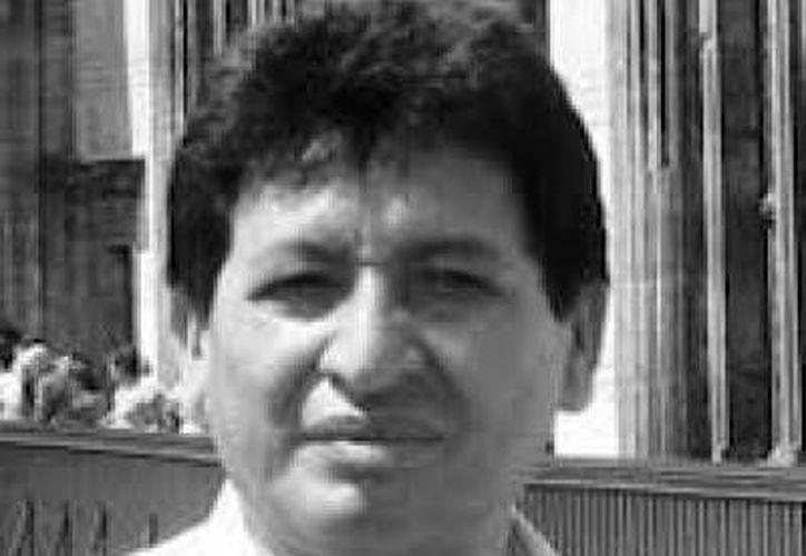 Jorge Miguel Cocom Pech, poeta maya, recibirá el Premio de Literaturas Indígenas de América durante la Feria Internacional del Libro de Guadalajara. (radiomas.mx/j