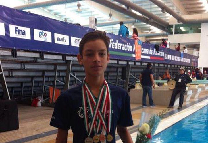 La delegación quintanarroese estuvo conformada por 12 nadadores y el tritón más destacado, fue el playense Sebastián Jasso Plata. (Redacción/SIPSE)
