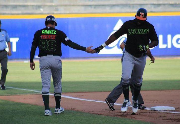 Los Leones no pudieron asegurar la serie al caer este sábado ante Sultanes de Monterrey, con un 6-2. (Facebook/ Leones)