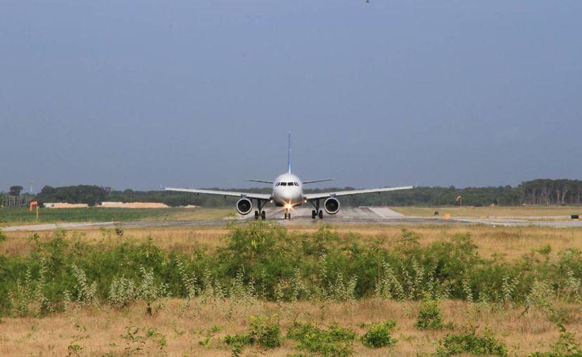El 11 de septiembre fue aprobada la Manifestación de Impacto Ambiental (MIA) para la ampliación de la pista. (Ángel Castilla/SIPSE)