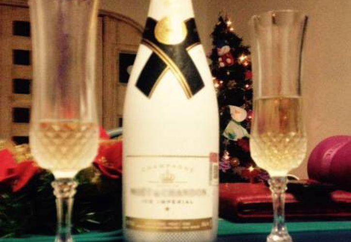 El champagne es la bebida más vendida en épocas decembrinas. (Redacción/SIPSE)