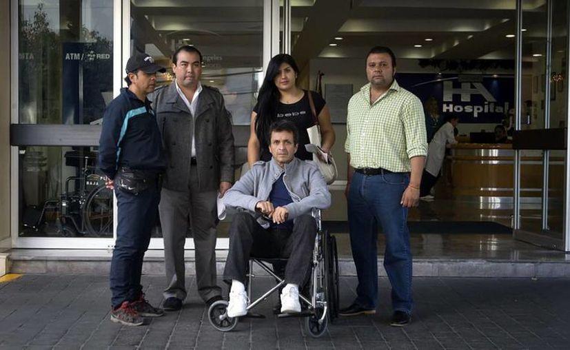 El torero mexicano, Mauricio Martínez Kingston, ya se encuetra fuera del hospital tras después de sufrir una grave cornada que lo dejó en estado crítico por varios días. (Imagen tomada de ntrzacatecas.com)
