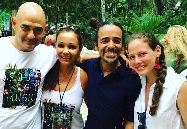No podía faltar en esta ocasión el vocalista de Café Tacva, Rubén Albarrán. (@tulumveganfest /Instagram)
