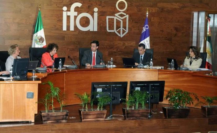 El IFAI sostiene que Hacienda debió dar varias opciones al usuario par recibir la documentación. (Agencias/Archivo)