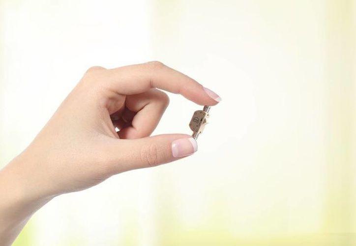 El Bimek SLV es una pequeña válvula de 18 milímetros que se adhiere al ducto por el que pasan los espermatozoides. Cuando se activa, evita que éstos salgan de los testículos y se mezclen con el líquido seminal. (Imagen de Bimek SLV)