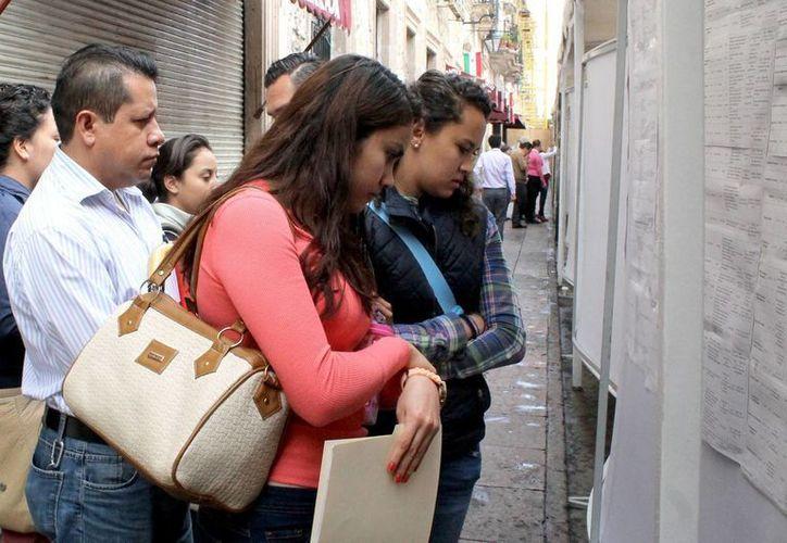 Una encuesta reveló que para los profesionistas mexicanos el empleo es un tema de mayor preocupación por encima de la seguridad, la economía y la educación. (Imagen ilustrativa/ Notimex)