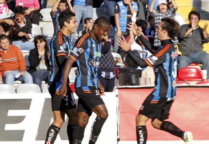 Ante la necesidad de más que un milagro, Querétaro sumará un nuevo descenso a la liga inmediata inferior. (Archivo Notimex)