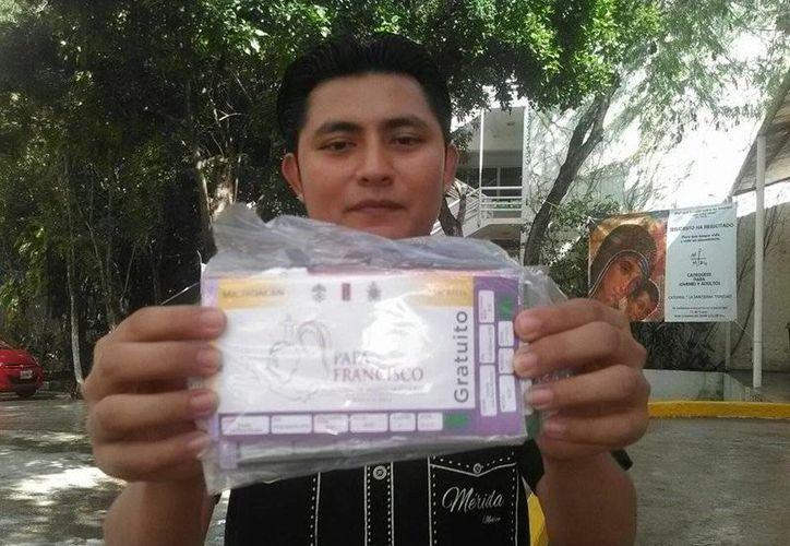 Los representantes de los apostalados de Cancún serán los encargados de recoger los boletos. (Sergio Orozco/SIPSE)