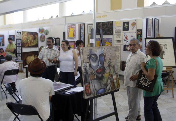 La exposición incluyó obras de pintura,  fotografía, escultura, instalación, estampa y grabado. (SIPSE)