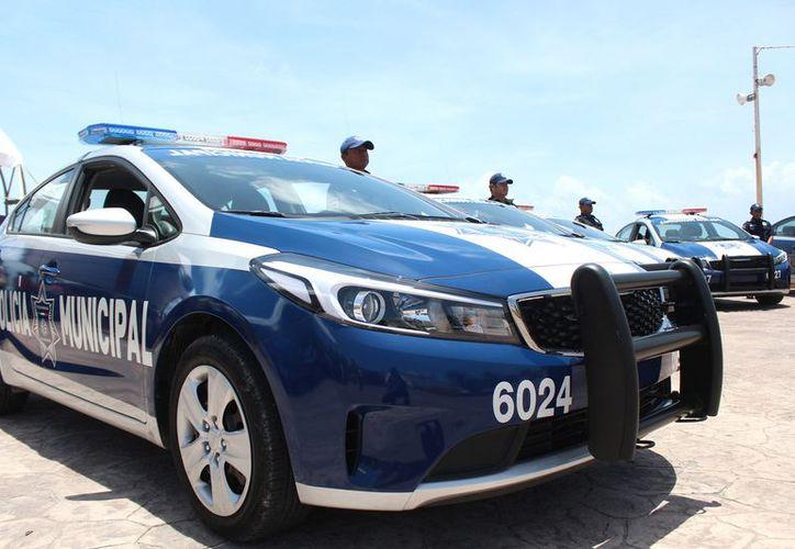 Entregaron nuevas patrullas y equipo a la dependencia municipal. (Cortesía)