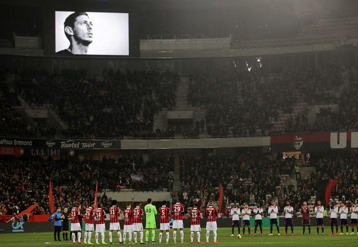 La UEFA anunció que se guardará un minuto de silencio en todos los partidos de la Liga de Campeones y de la Liga Europea que se jueguen esta semana. (Reuters)