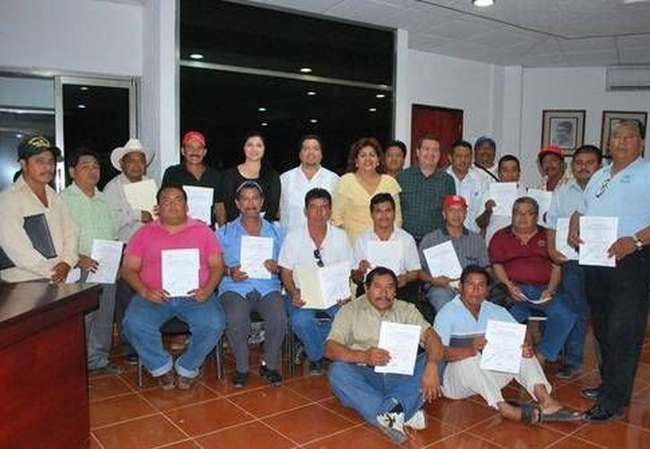 """Los 23 candidatos fueron recibidos en la Sala de Cabildos """"Mariano Angulo Basto"""". (Cortesía/SIPSE)"""