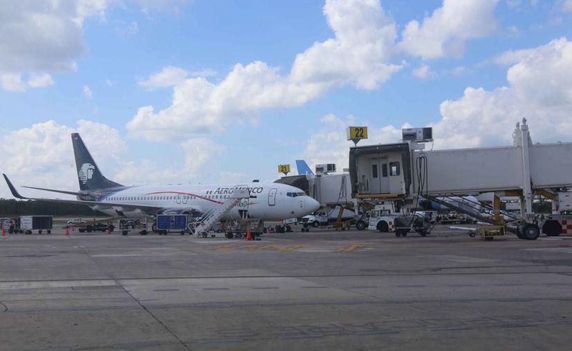 Cualquier aerolínea nacional o extranjera puede entrar al mercado contrario. (Israel Leal/SIPSE)