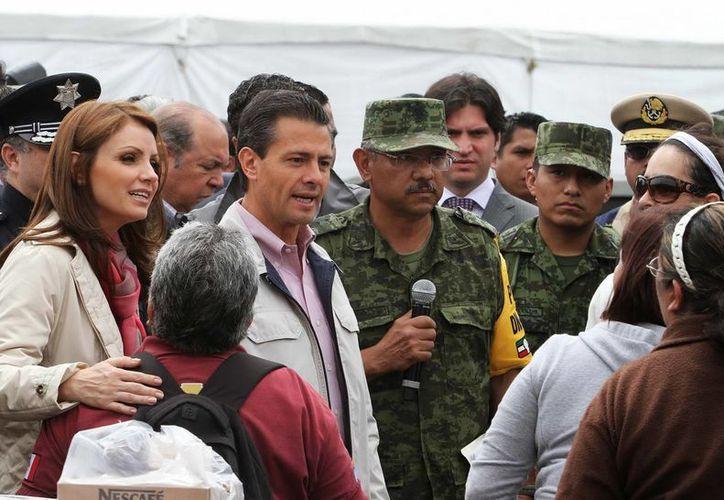 Peña Nieto exigió conocer cuáles fueron las zonas en las que se dieron permisos de construcción sin sustento legal. (Notimex)