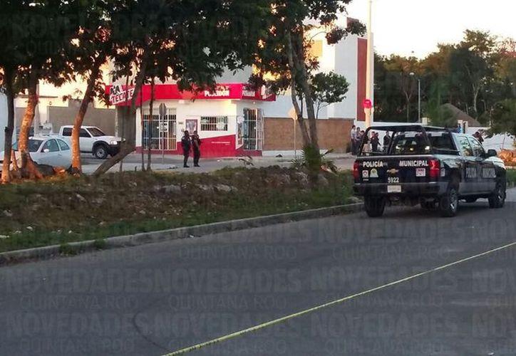 Los sujetos escaparon en un taxi en dirección hacia el Arco Vial. (Foto: Cortesía).