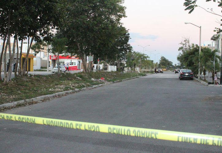 Los hombres fueron lesionados con arma de fuego cuando se encontraban platicando en el fraccionamiento La Joya. (Foto: Redacción)
