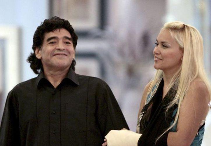 Verónica Ojeda, de 35 años, viajó a Dubai a decirle a Maradona que estaba nuevamente embarazada, pero no logró verlo. (EFE/Archivo)
