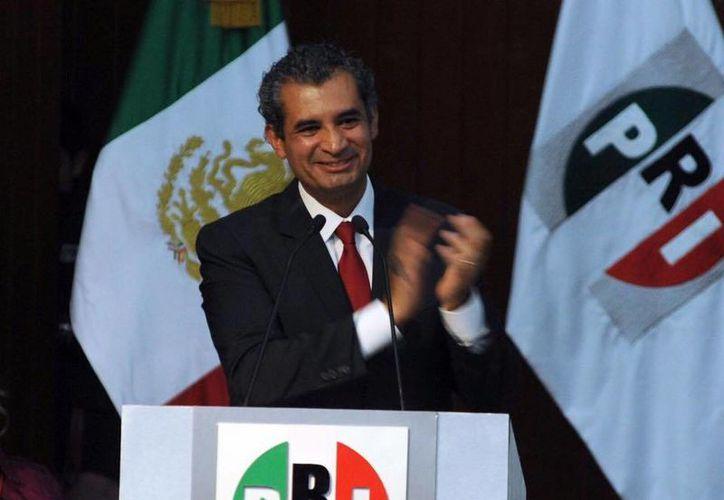 El líder nacional del PRI, Enrique Ochoa Reza, dijo que el no aumentar el precio de la gasolina es el resultado del llamado de la sociedad y de las propuestas priistas. (facebook.com/EnriqueOchoaR)