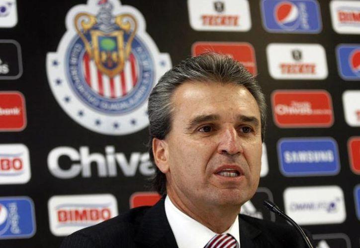 Néstor de la Torre ya no es más presidente de las Chivas. El club anunció en un comunicado la salida del directivo tras 11 meses de trabajo en 'Verde Valle'. (100x100fan.mx)