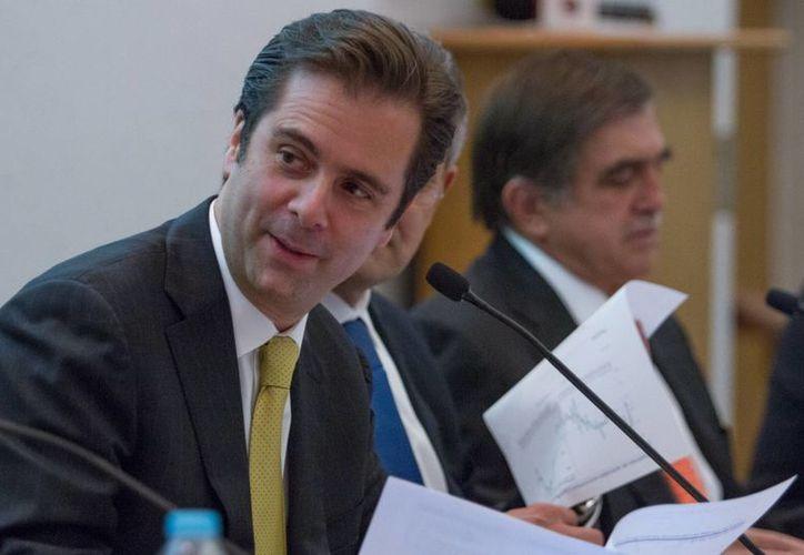 El sucesor de Javier Arrigunaga (foto) como director del Grupo Financiero Banamex y del Banco de México es Ernesto Torres Cantú, que se sumó a Banamex hace más de 25 años. (Notimex)