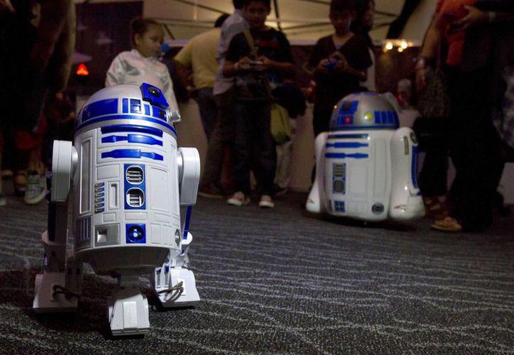 Conferencias magistrales y  presentación de invitados internacionales, entre los atractivos que ofreció el encuentro entre fans y realizadores de Star Wars, este fin de semana en el Centro de Convenciones Siglo XXI de Mérida. (Imágenes de Notimex)
