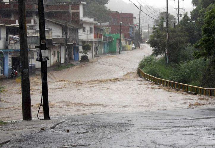 En Veracruz reportan daños menores en infraestructura. (Notimex)