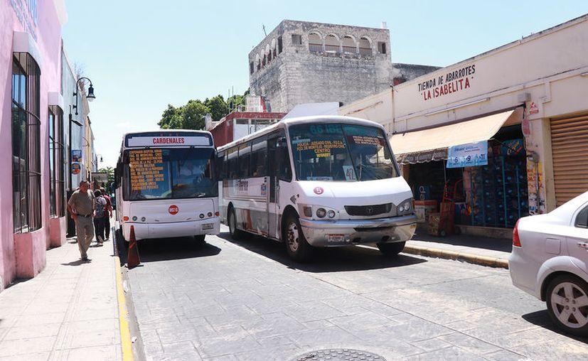 Permisionarios del transporte urbano se sumaron a las medidas preventivas dictadas por el Gobierno del Estado. (Novedades Yucatán)