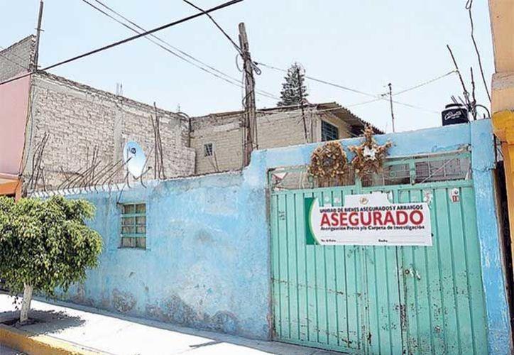 La casa en donde ocurrió el hecho, , en el municipio de Nezahualcóyotl, Estado de México, permanece abandonada. (Excélsior)