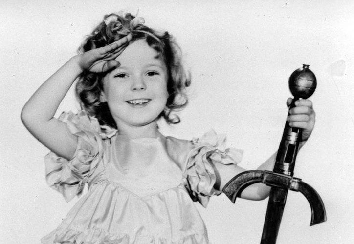 La carrera de actriz Shirley Temple fue relativamente breve: se retiró a los 21 años de edad, pero fue la niña más famosa de Hollywood y la más taquillera. (Agencias)