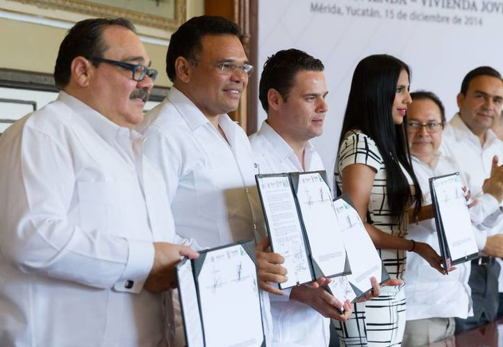 Son 500 las acciones de vivienda destinadas por el gobierno a jóvenes yucatecos. En todo el país son más de 10,000. (SIPSE)