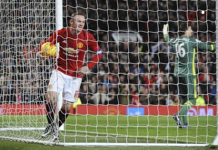 Wayne Rooney, de 31 años, se convirtió en el máximo goleador histórico del Manchester United, tras superar al legendario Bobby Charlton. (Rui Vieira/AP)