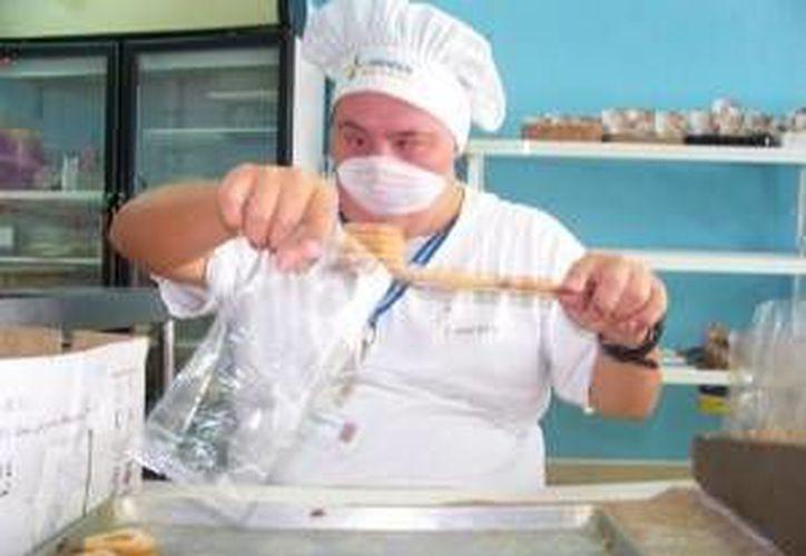 Los panes son el producto fuerte que sostiene la mayor parte de la asociación. (Redacción/SIPSE)